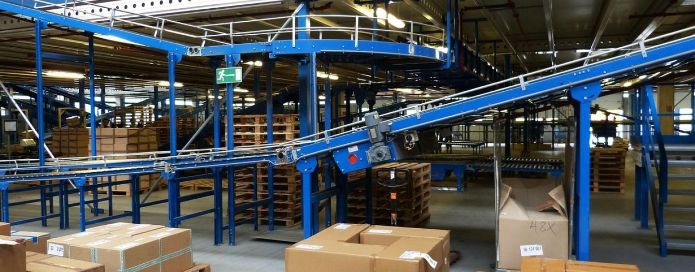 Corso gratuito di meccanica e logistica di magazzino con guida in sicurezza del carrello elevatore