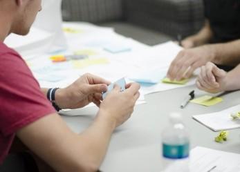 """Studenti e imprenditori con il laboratorio """"Impresa in azione"""""""
