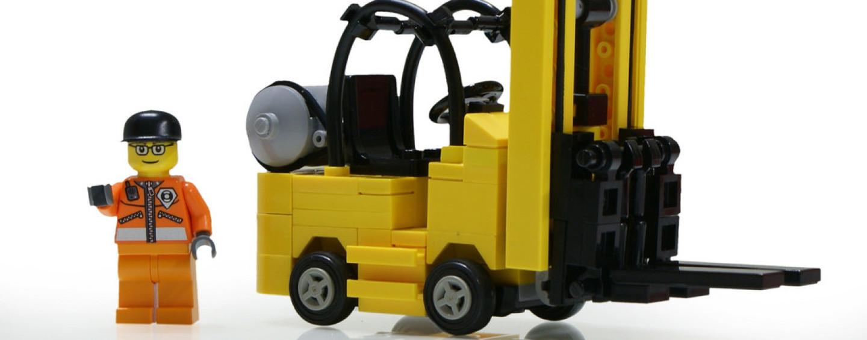 Corso gratuito per addetto al magazzino con guida del carrello elevatore