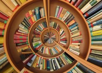 Vota i tuoi 10 libri preferiti: la tua scuola riceverà i 10 libri vincitori della classifica nazionale
