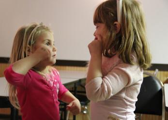 Impara la lingua dei segni americana e internazionale a Washington