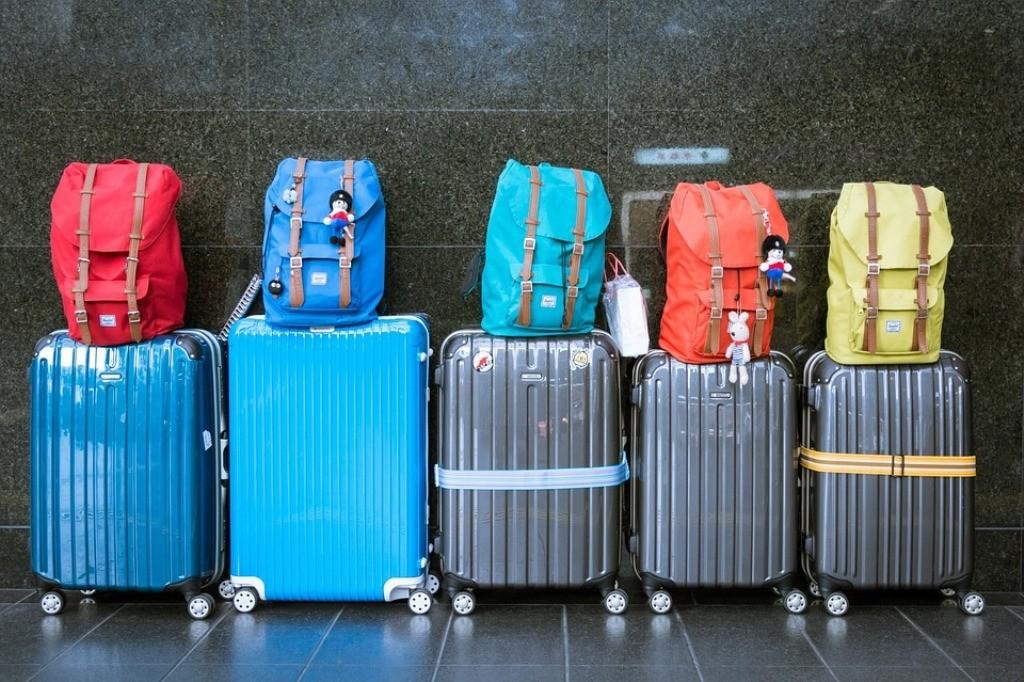 fila di bagagli
