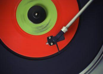 Musica da guardare con il contest VinylArthink