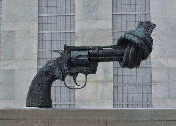 Restiamo umani, concorso a premi contro la violenza e la prevaricazione