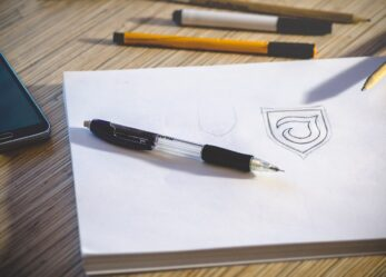 Le città ospitali cercano un logo