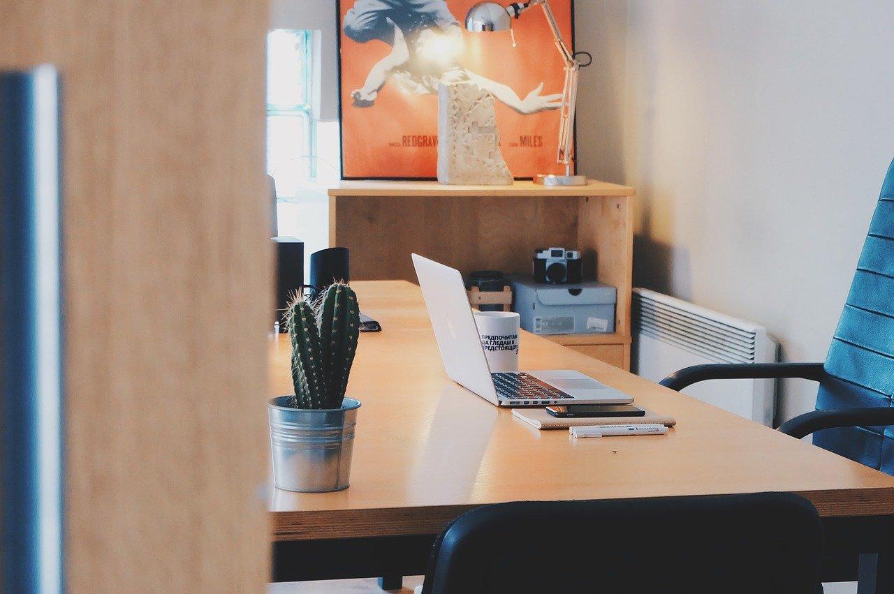 scrivania di un ufficio