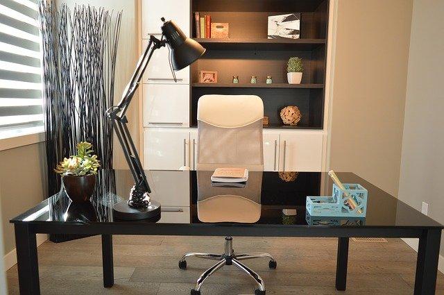 scrivania di reception studio professionale