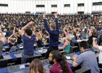 Diventa volontario all'European youth event