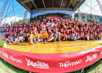 Volontarie e volontari per i campionati di mountain bike